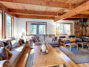 1262 Pine Valley Rd Home, Holiday homes  South Lake Tahoe - big - 26