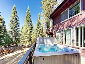 1262 Pine Valley Rd Home, Holiday homes  South Lake Tahoe - big - 27