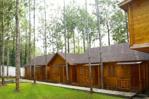 Garden Wood Resorts