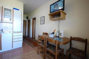 Apartments Crnac Mi, Apartmanok  Malinska - big - 58