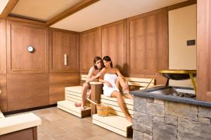 Alpen-Herz Romantik & Spa - Adults Only, Hotely  Ladis - big - 83