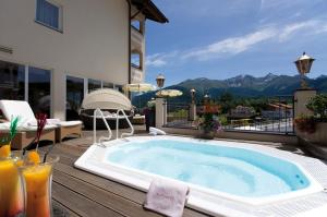 Alpen-Herz Romantik & Spa - Adults Only, Hotely  Ladis - big - 107