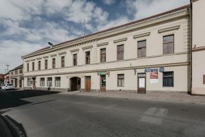 Apartmán 3, Suvorovova 158