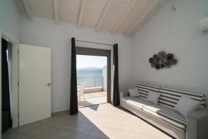 Deluxe Family Apartment with Sea View (4 Adults)