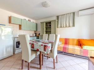 Apartment in Porec/Istrien 10504, Апартаменты  Пореч - big - 12