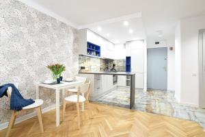 Cosy Apartment Stone&Nature in the heart of Warsaw