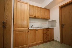 Apartment Brela 6828a