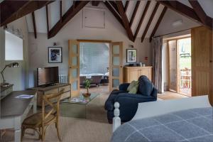 Tudor Farmhouse (22 of 60)
