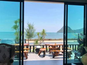 Zea Zide Hotel, Hotely  Prachuap Khiri Khan - big - 37