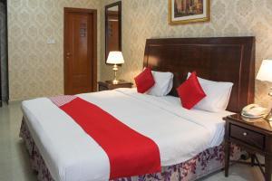 Clifton International Hotel