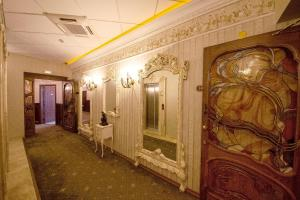Grand Hotel London, Отели  Варна - big - 38