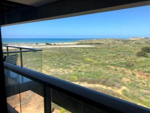 Luxury 3 BR Sea View Apartment near the Beach + Parking