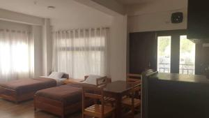 Deluxe Single Room with Balcony Choni Apartment