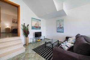 3 star apartment Apartments 7+ Blace Croatia
