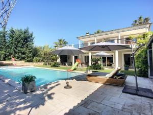 obrázek - Superbe Villa sur 2 etages a Mougins avec Piscine & Pool House