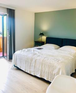 Hotel Sonnenhof Bed & Breakfast - Accommodation - Innsbruck