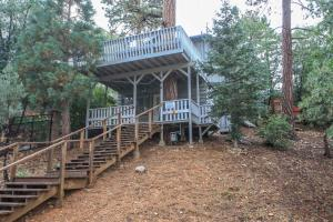 Treehouse by Big Bear Cool Cabins - Hotel - Sugarloaf