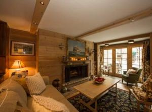 Gore Creek House 303 Townhouse - Hotel - Vail