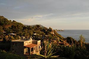 villa gio puntacaruso - AbcAlberghi.com