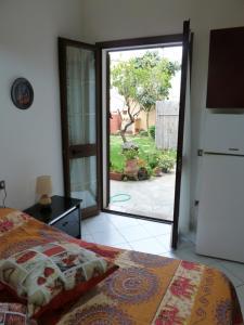 Vierbettzimmer mit Gartenblick