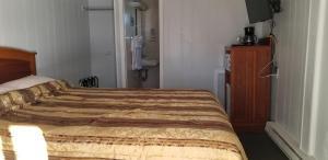 . Golden Antler Motel