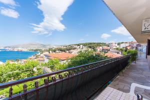 Apartment Ljube, Apartments  Trogir - big - 5