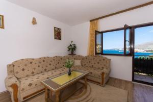 Apartment Ljube, Apartments  Trogir - big - 12