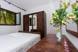 Apartment Ljube, Apartments  Trogir - big - 14
