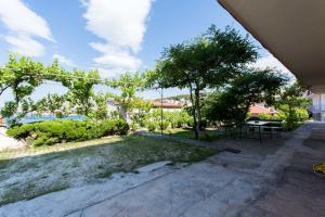 Apartment Ljube, Apartments  Trogir - big - 23