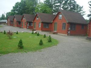 Lanesboro Country Inn - Hotel - Lanesborough