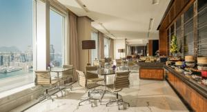 Four Seasons Hotel Hong Kong (17 of 56)