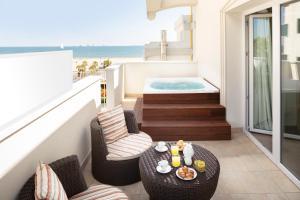 Hotel Ambassador - AbcAlberghi.com