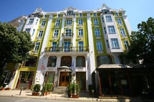 Grand Hotel London, Отели  Варна - big - 42