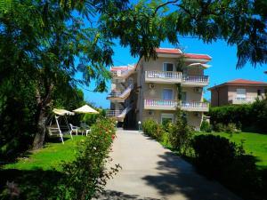 Alexia Apartments & Studios - Pastida