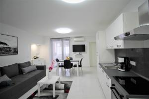 Arbel Apartments
