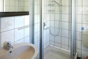 Holiday Home Neuhaus - DMG07034-F - Igelshieb