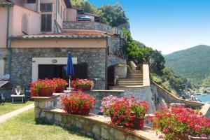 Holiday residence La Cota Quinta Rio nell'Elba - I - AbcAlberghi.com