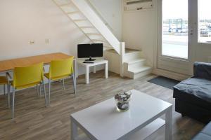 . Holiday flats Jachthaven Bruinisse Bruinisse - ZEE13006-AYA