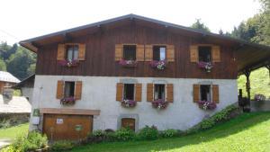 Gites le Criou et le Moulin - Hotel - Morillon