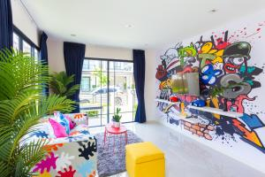 Color Chic House with 3 Bedrooms Modern Style - Ban Na Nai