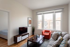 3BR Bespoke Wicker Park Suite No.1 by Zencity