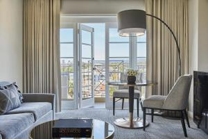 Four Seasons Los Angeles at Beverly Hills (7 of 77)
