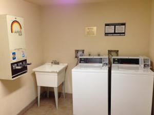 Super 8 by Wyndham Oklahoma City, Hotels  Oklahoma City - big - 18