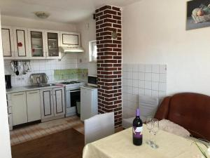 Apartments with a parking space Rastici, Ciovo - 17276, Appartamenti  Trogir (Traù) - big - 3
