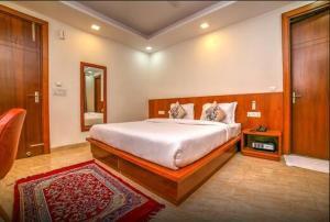 Grand Oyster Service Apartments, Апарт-отели  Гургаон - big - 21