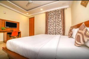 Grand Oyster Service Apartments, Апарт-отели  Гургаон - big - 13