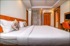Grand Oyster Service Apartments, Апарт-отели  Гургаон - big - 17