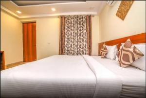Grand Oyster Service Apartments, Апарт-отели  Гургаон - big - 18