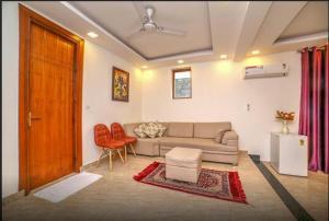 Grand Oyster Service Apartments, Апарт-отели  Гургаон - big - 9