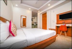 Grand Oyster Service Apartments, Апарт-отели  Гургаон - big - 10